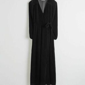 & Other Stories Black Velvet Long Sleeve Midi Wrap